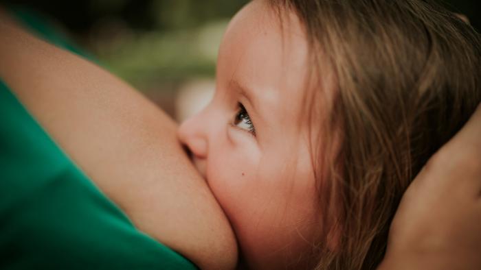 Azucena Manzanares asesora lactancia 2